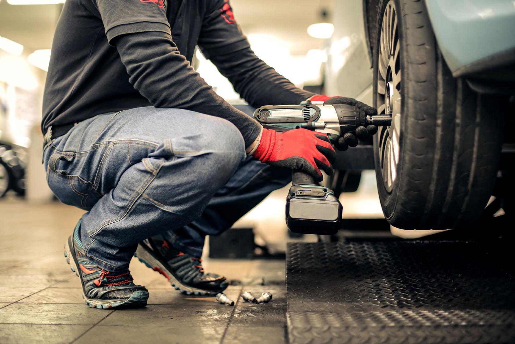 Roadside Safety: Tire Maintenance & Auto Insurance in Atlanta, GA
